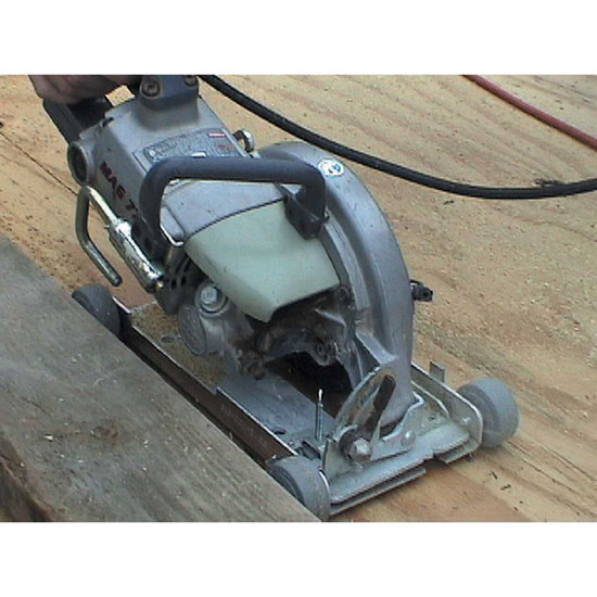 Pearl Blade Roller cutting wood