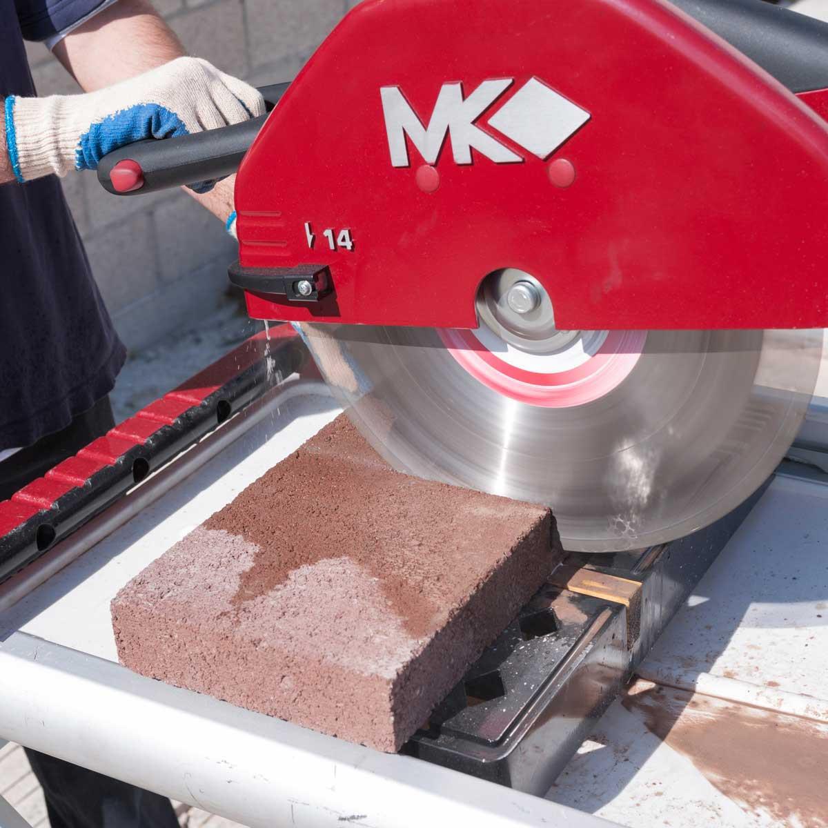 cutting with mk diamond 14in brick saw